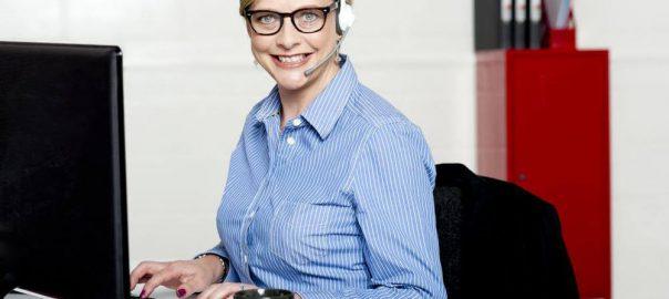 smiling-help-desk-woman